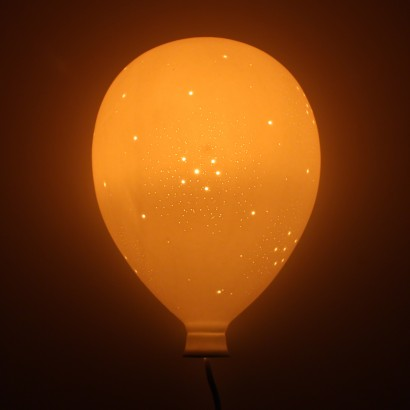Balloon wall light