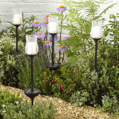 Highlight Your Borders And Patios With Soft Flickering Candlelight Shining  Through Antique Effect Crackled Glass Jars. Read More.