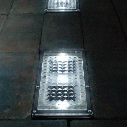 Dome Solar Wall Lights : Paverlight Solar Powered Brick Lights