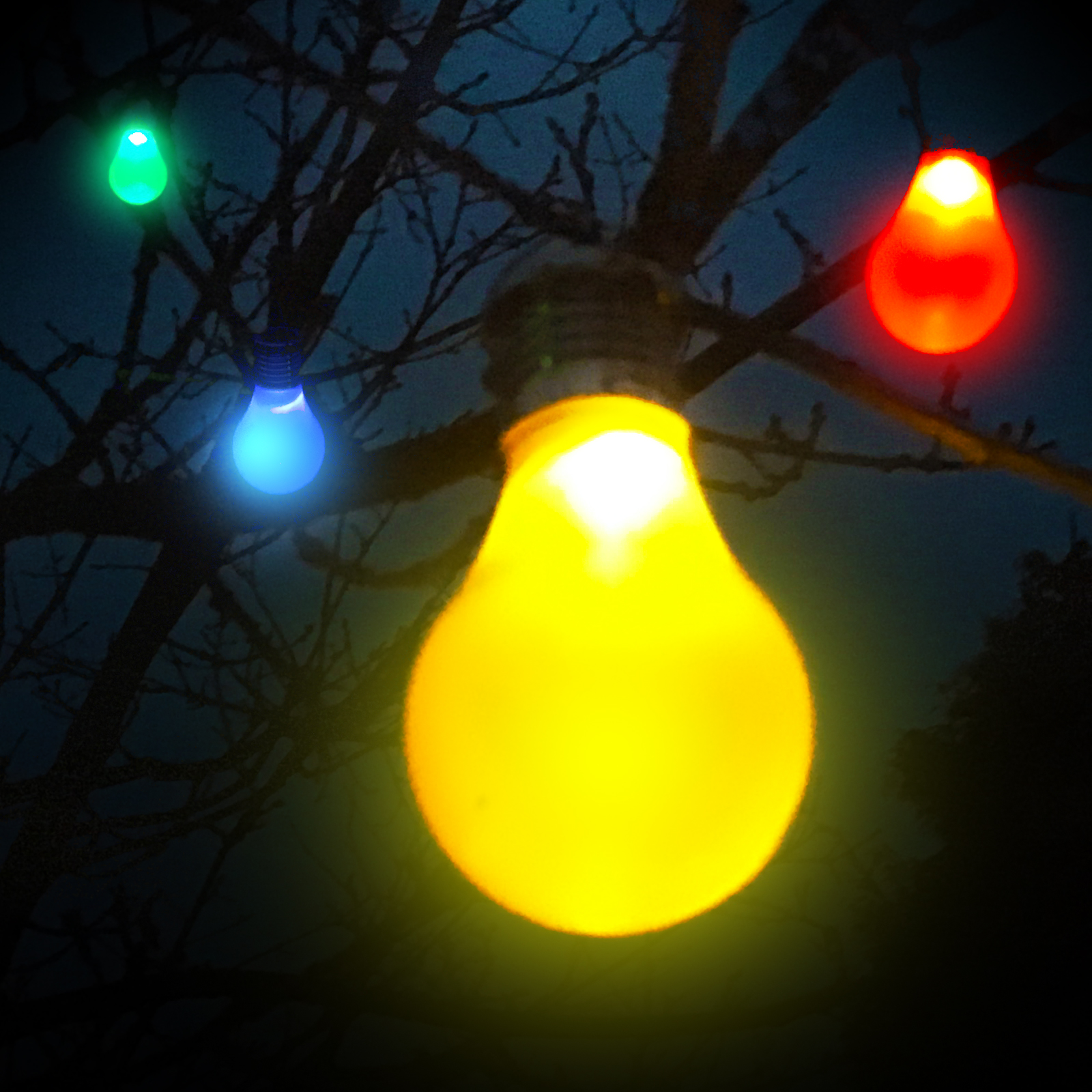 Solar Hanging Coloured Light Bulbs 4 Pack Party Supplies Countyfetes