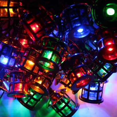 40 nostalgic led lanterns give your christmas tree a retro makeover with these multi coloured nostalgic lantern lights