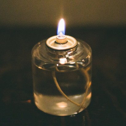 how to use massage oil candles