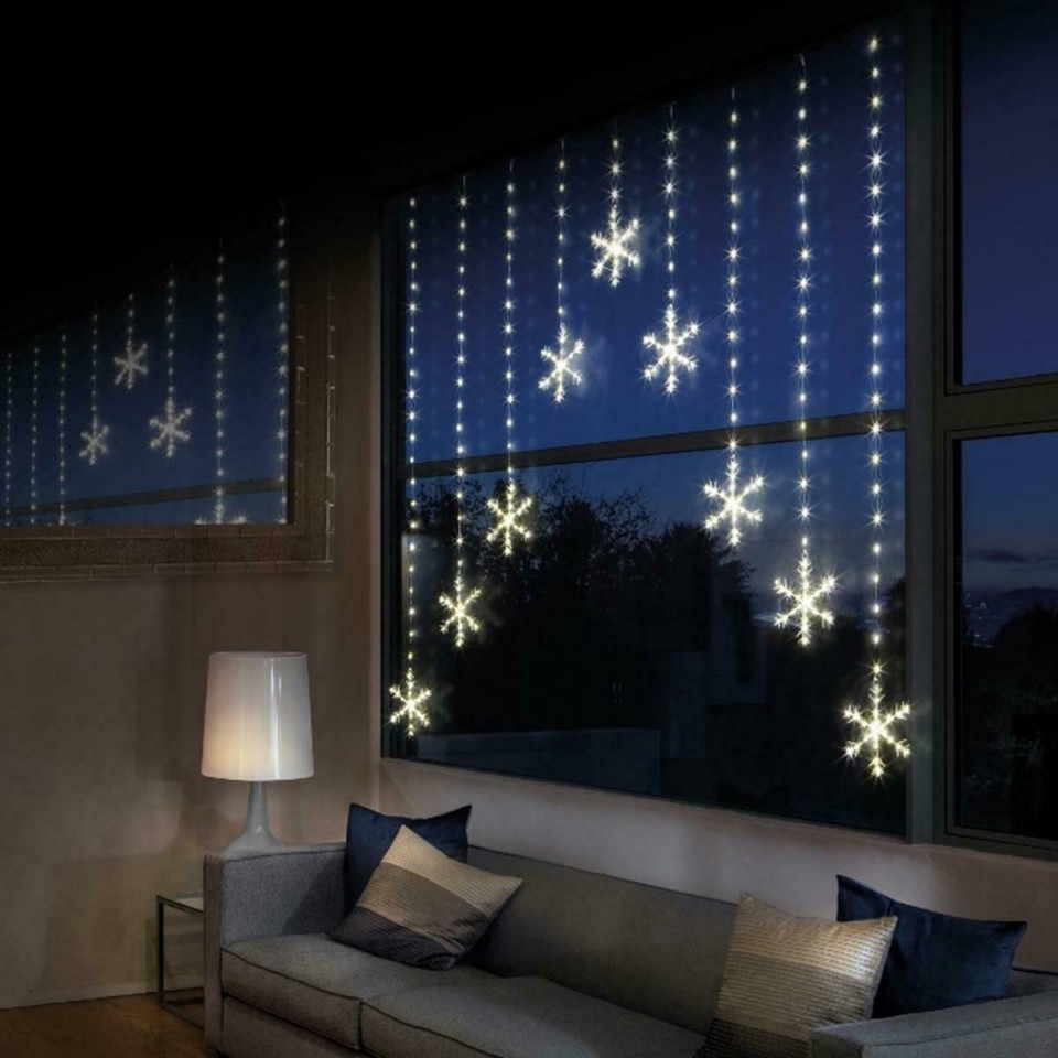 339 LED Snowflake Light Curtain