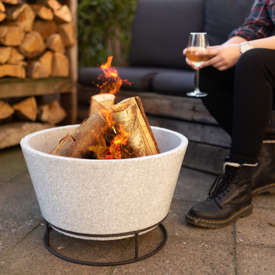 Clay Fire Bowl on Stand (FF441)