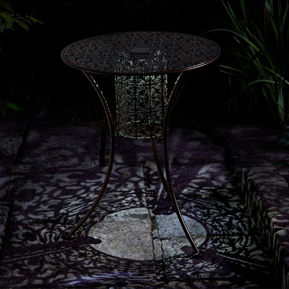 Illumina Silhouette Lit Table