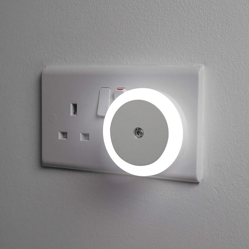 LED Night Light With Dusk Sensor