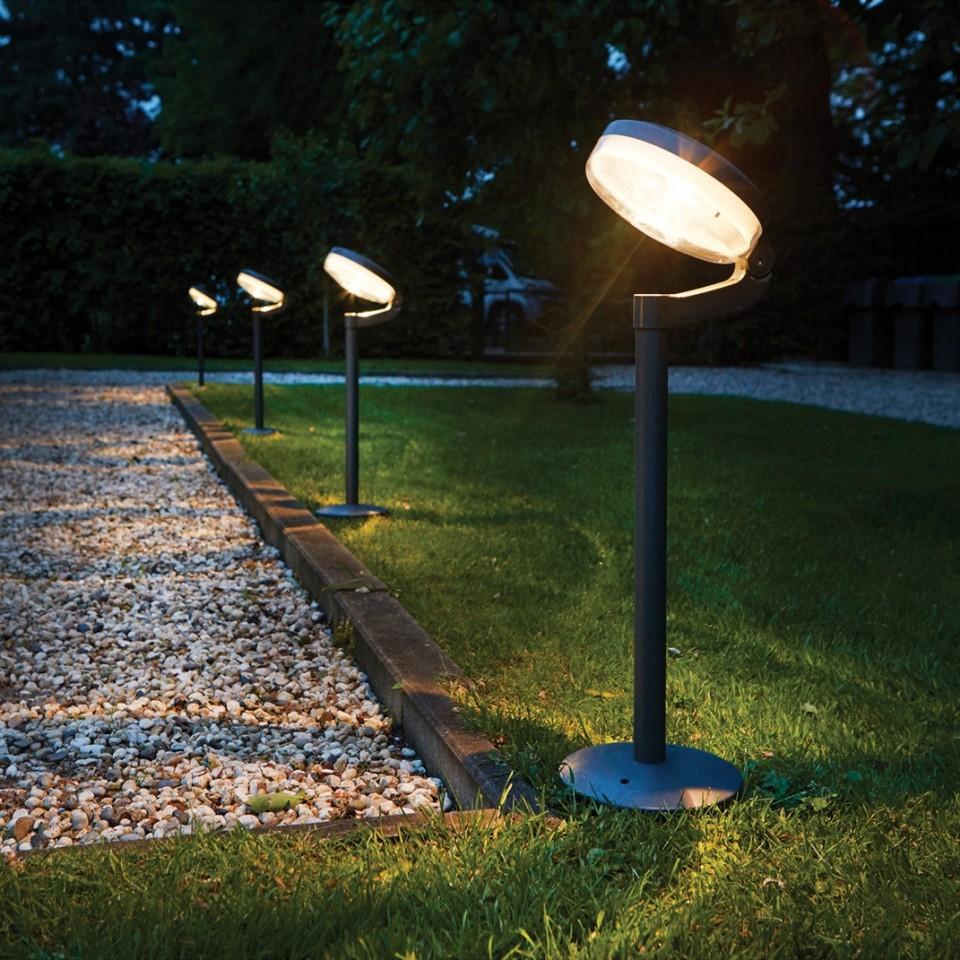 Single light supplied Solar Montana Post Light