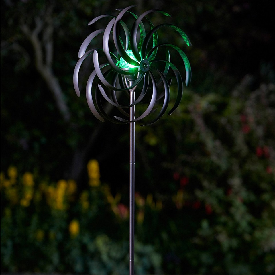 Spiro Wind Spinner with Solar Globe