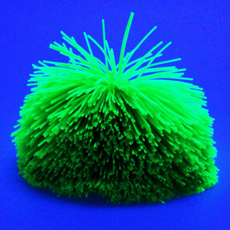 Giant UV Soft String Ball