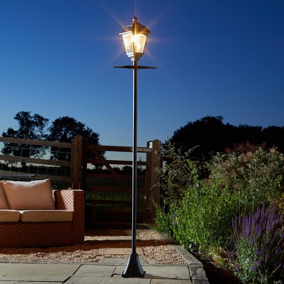 Solar Victoriana Lamp Post