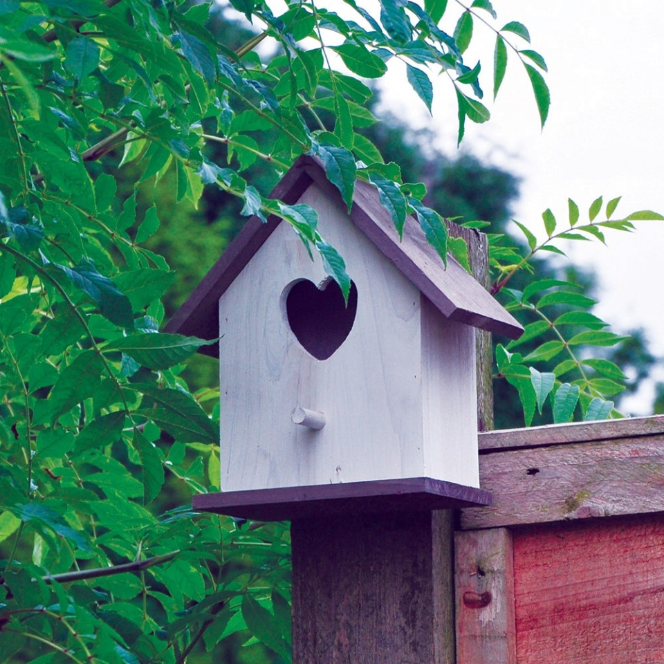 White Heart Bird Nesting Box