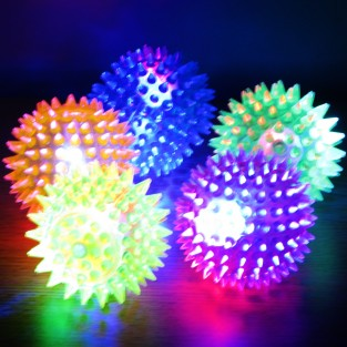 Small Light Up Spikey Ball: 6.5cm