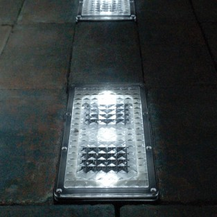 Paverlight Solar Brick Lights (2 Pack)