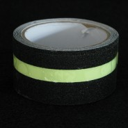 Anti-Slip Glow in the Dark Strip Tape 3