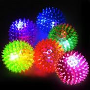 Small Flashing Spikey Ball: 6.5cm 7