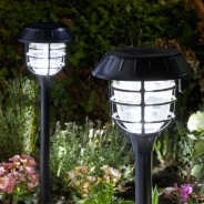 Nova Bluetooth Solar Stake Light 1
