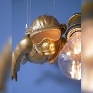 Scuba Steve Hanging Monkey Light 3