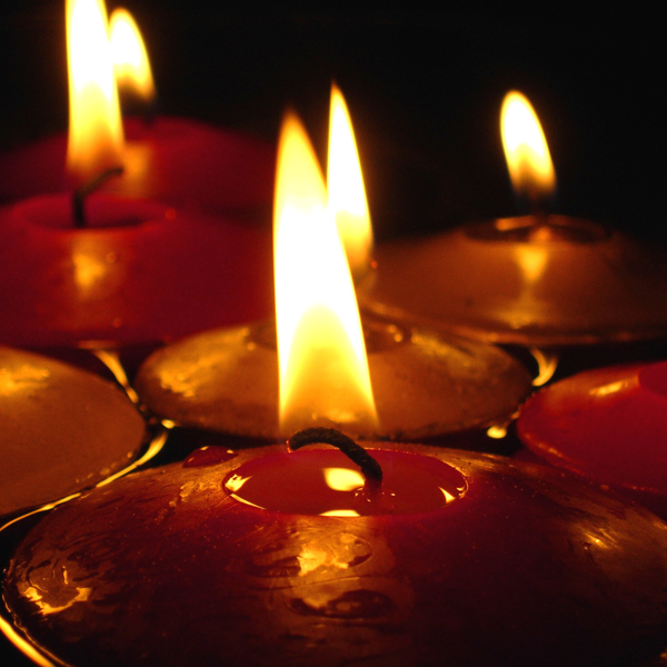 Click to view product details and reviews for Giant Floating Candles White.