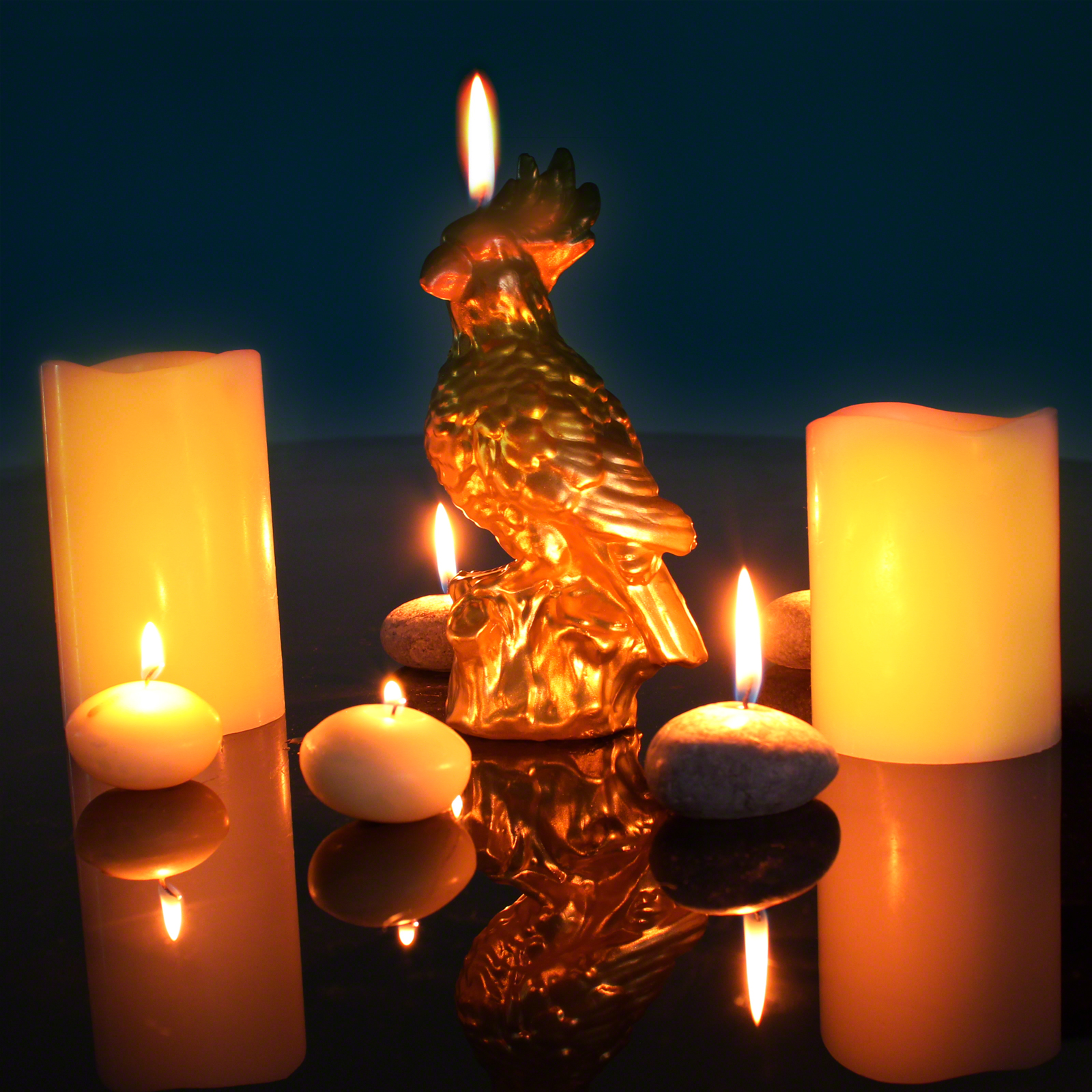 Click to view product details and reviews for Gold Parrot Candle.