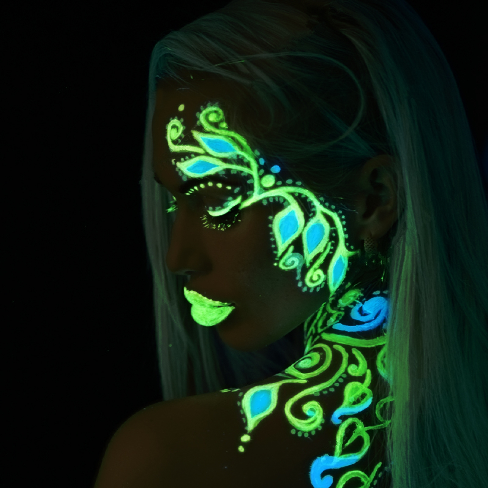 Paintglow Glow In The Dark Face And Body Paint Kit Gs08